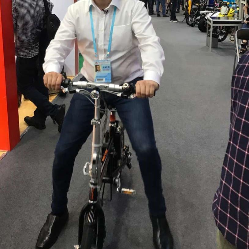 R5 전기 자전거