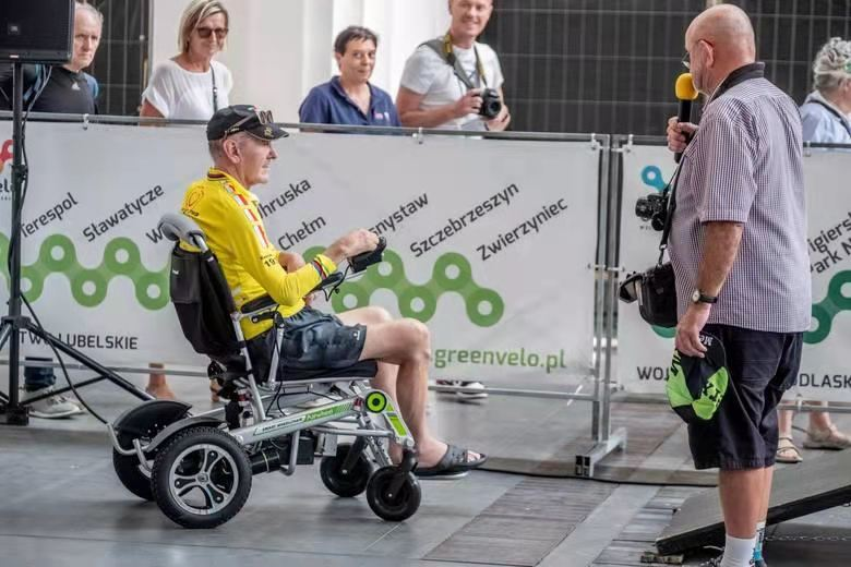 Airwheel H3T electric wheelchair